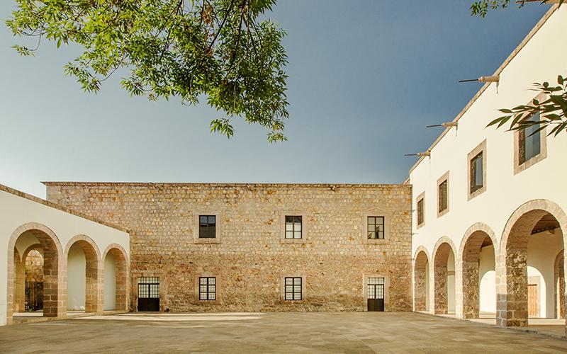 vista del exterior del Centro Cultural clavijero